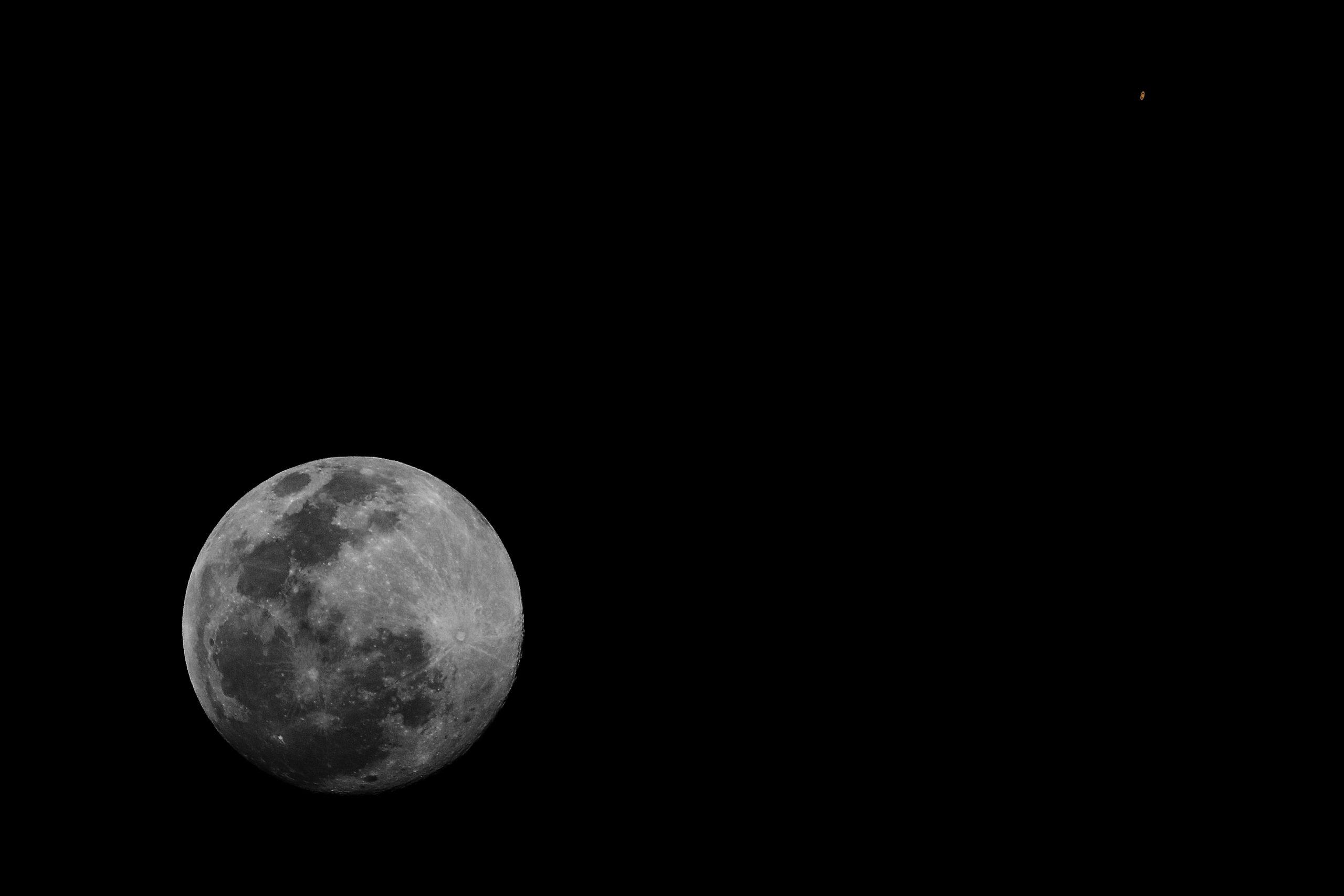 Conjuncion Luna y Saturno_01052015_70D_400mmED